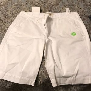 Old Navy perfect Bermudas. Size 8